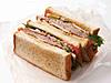 ローストビーフと季節野菜のサンドウィッチ