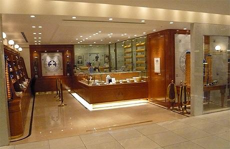 ドイツの老舗「ホレンディッシェ・カカオシュトゥーベ」、伊勢丹新宿店に日本1号店