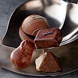 日本橋高島屋「アムール・デュ・ショコラ」−コラボショコラ、パン&チョコの限定スイーツなど