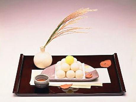 大丸東京店で月見スイーツ−定番から洋風月餅、まん丸チーズケーキまで